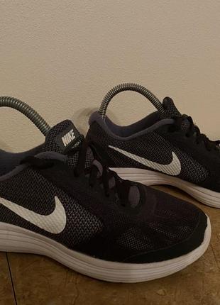 Nike кроссовки 36 размер