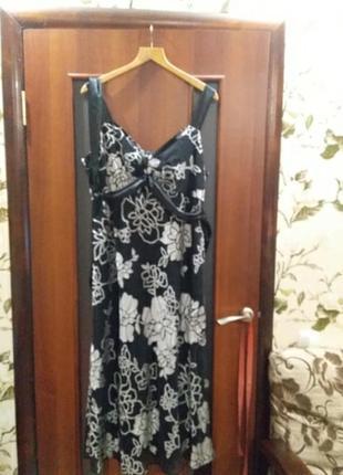 Красивое платье на новогодний корпоратив на пышную красавицу
