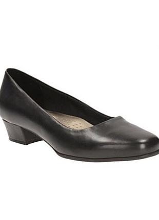 Туфли на низком каблуке рабочие кожаные чёрные clarks