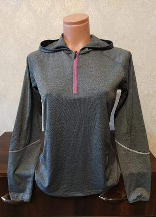Спортивный фирменный свитер