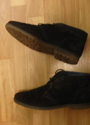 Крутые замшевые ботинки а-ля дезерты tommy hilfiger