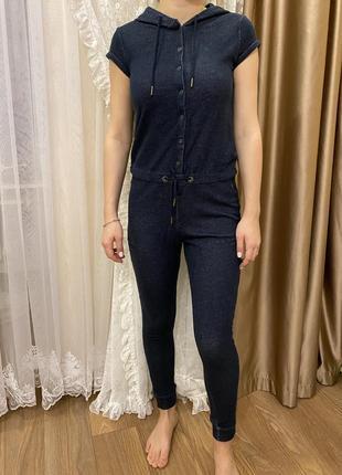 Комбинезон adidas , на фото грудь: 89см; талия 67см; бёдра:90 см