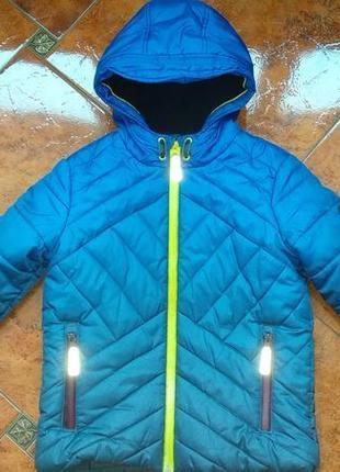 Куртка зимняя на мальчика в идеальном состоянии