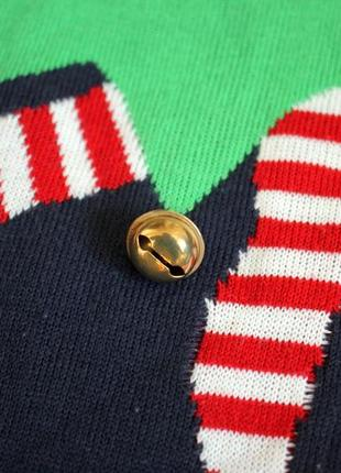 Вязаный новогодний свитер с рождественским принтом3 фото