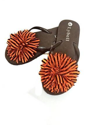 Женские  коричневые вьетнамки с оранжевым пампоном lybell. код п35519