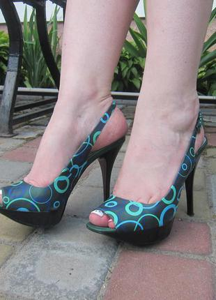 Кожаные босоножки туфли на платформе и шпильке canna 36р.