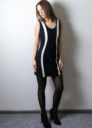 Черно-белое платье bershka по фигуре