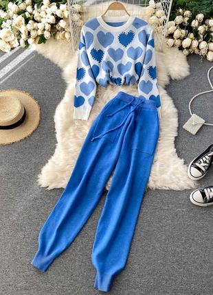 Синий вязаный костюм, теплый зимний костюм штаны и свитер с сердечками