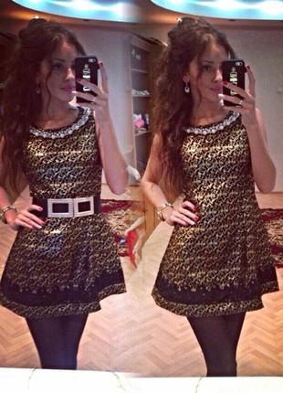 Нарядное платье с бусами и кружевом размер м👗✨💖