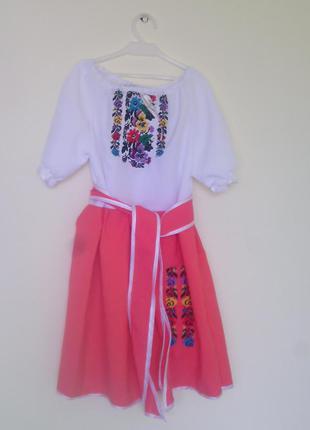 Оригинальное вышитое детское платье(машинная вышивка)