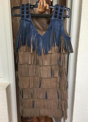 Продам платье с натуральной кожаной бахромой gil santucci италия