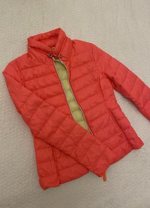 Курточка яркого цвета witty knitters