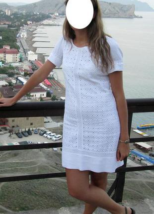Белое невесомое платье трапеция