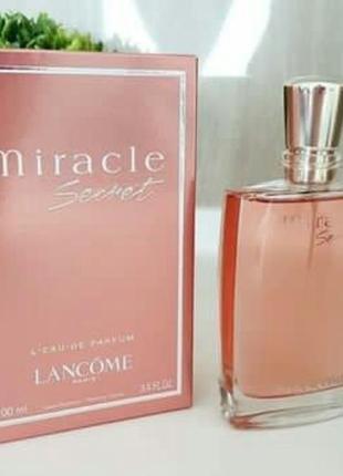 Женская парфюмированная вода lancome miracle secret  100 мл