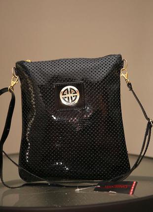Продаю по низкой цене,лаковая сумка,качественная