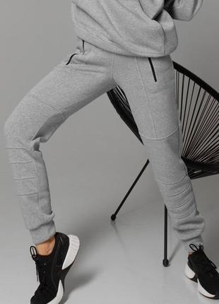 Женские утепленные  серые спортивные штаны на флисе (4110 jdnn)