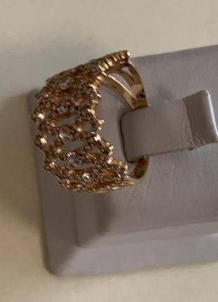 Золотое кольцо с цирконий проба 585. размер 18