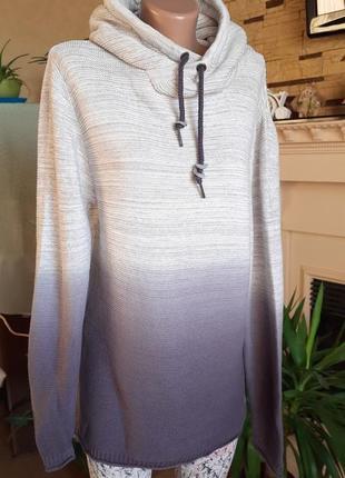 Стильный удлиненный свитер с капюшон унисекс