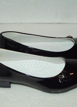 Лаковые туфли  для девочки, р. 33, 36.