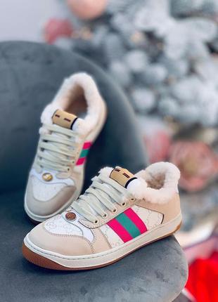 Фирменные зимние кроссовки