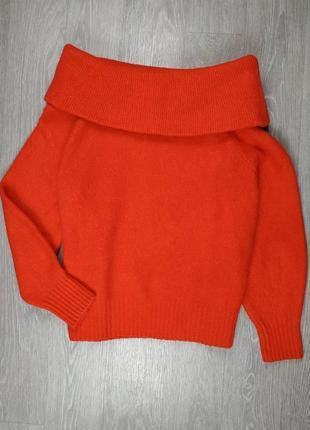 Шикарный свитер на плечи