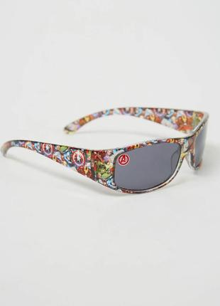 George. товар из англии. солнцезащитные очки с героями marvel avengers.