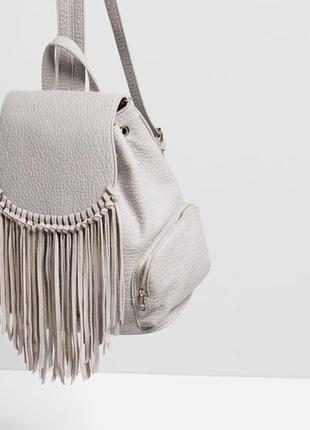 Zara обалденный серый рюкзак с бахромой