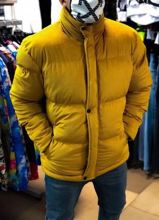 Курточка зима очень теплая.