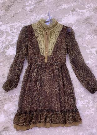 Красиво леопардовое платье