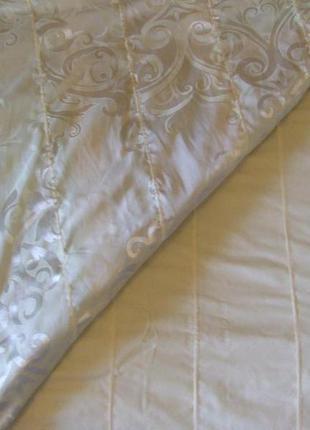 Постельный комплект двухспальный сатин-жаккард (пододеяльник, наволочки, простынь)