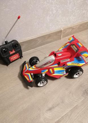 Машинка на управлении, гонка на пульте радиоуправлении
