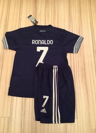 Футбольна форма ювентус роналдо