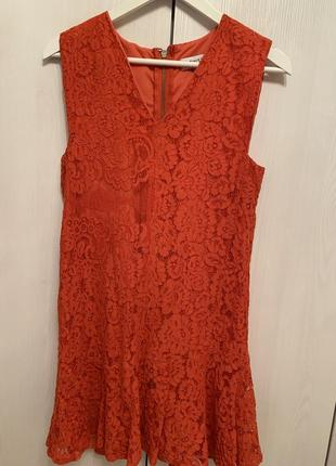 Платье. twist 36 /8 коралловое нарядное сзади на змейке длина 87 см по груди 45 см