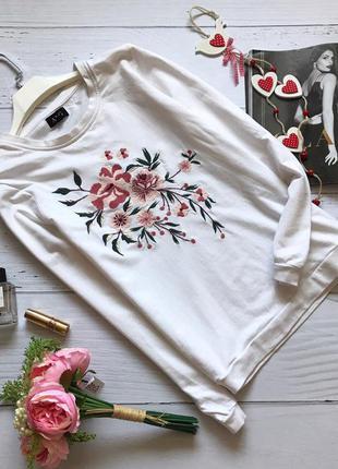 Трендовый белый свитшот с вышивкой a&g