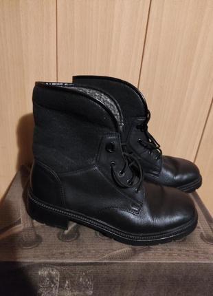 Зимние кожаные женские ботинки rieker на шнуровке