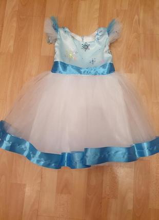 Пышное нарядное праздничное фатиновое платье снежинка