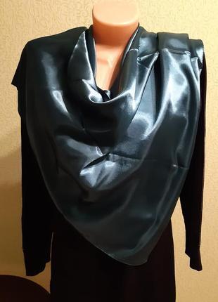Шёлковый платок изумрудного цвета