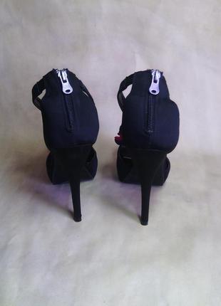 Босоножки женские mia 10 (40-41 р) атлас платформа черные шпилька5 фото