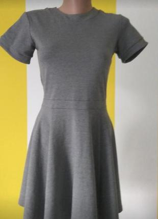 Базовое серое платье h&m