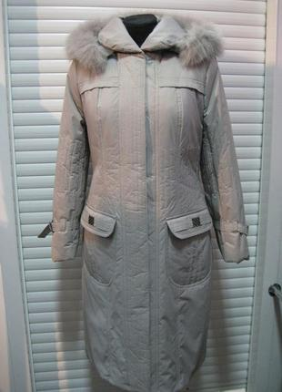 Пальто зимнее с натуральным мехом песца