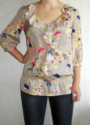 Блуза в цветах ширина 48 см