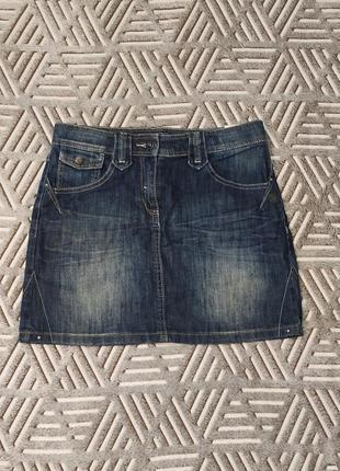 Синяя короткая джинсовая юбка