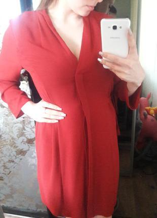 Платье красное очень красивое