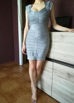 Платье дорогого бренда french connection!
