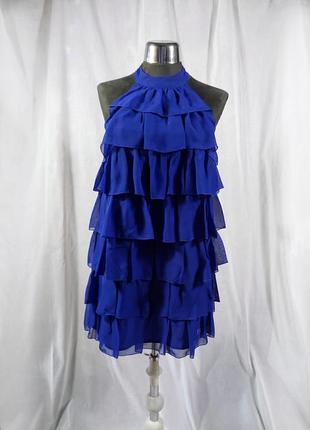 Короткое синее платье с оборками рюшами без рукавов