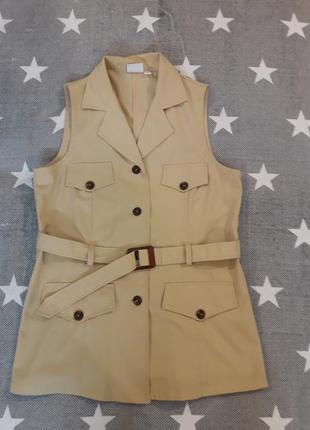 Супер актуальный жилет. удлиненный, накладные карманы. винтаж