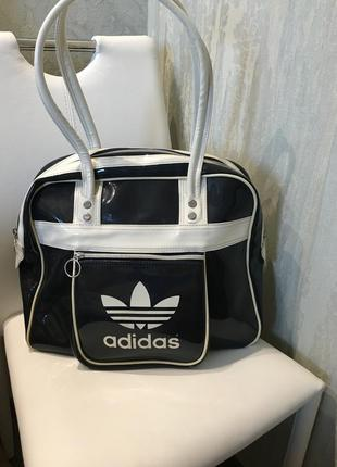Сумка спортивная  adidas,оригинал!
