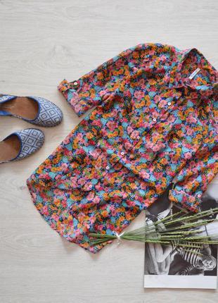 Красивая блуза в цветы stradivarius