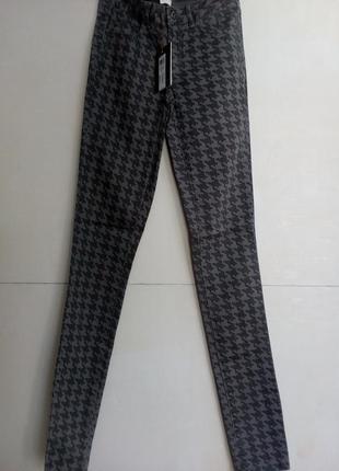Стильные брюки/джинсы стрейч r-s