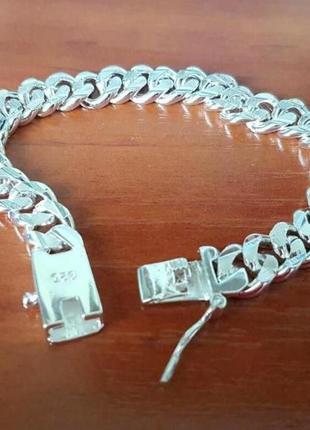 Мужской браслет на подарок под серебро